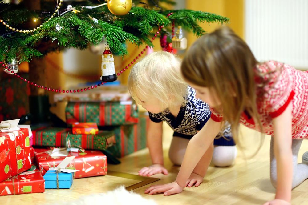 lernspiele unterm weihnachtsbaum. Black Bedroom Furniture Sets. Home Design Ideas