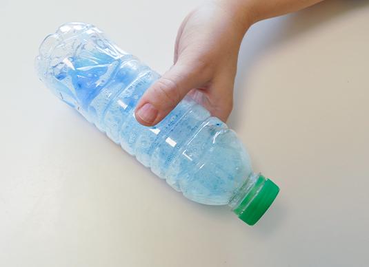 Slime-Schleim-Flasche-schuetteln